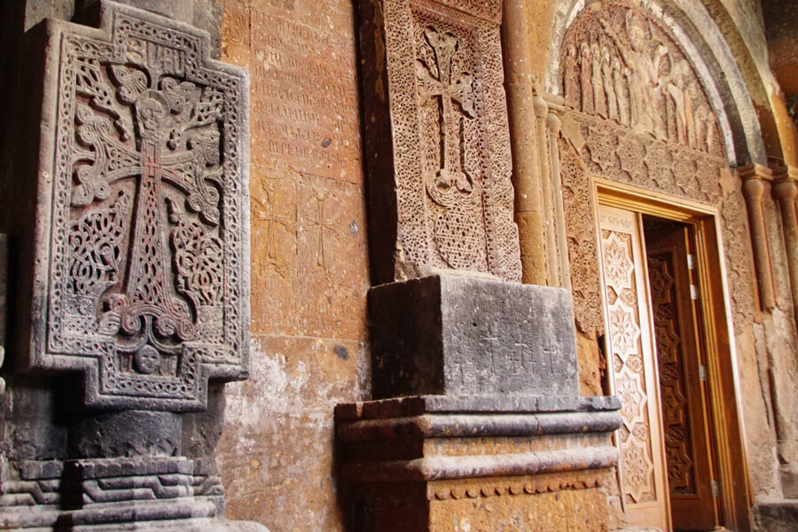 """Kirche in Armenien, Foto von Patricia Hentschel, Kunstfest """"Das Tor"""""""